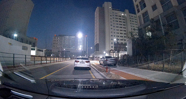 IROAD_X10_parking_xvision.jpg